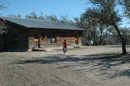 Quiet Hill Ranch - Fredericksburg: Main Cabin