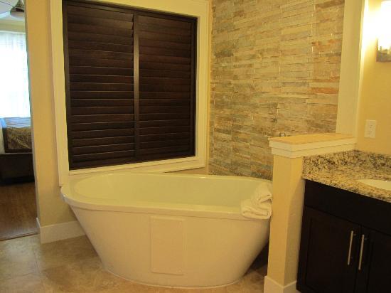 Bluegreen Fountains Resort : Wonderful Soaking Tub