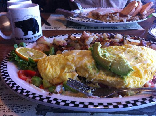 Black Bear Diner - Mt. Shasta : Yummy vegetarian omelete with avacado!