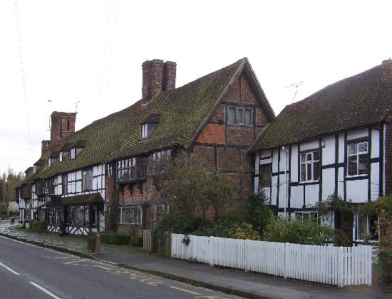 Tudor Cottage Bed and Breakfast: Bidenden High Street
