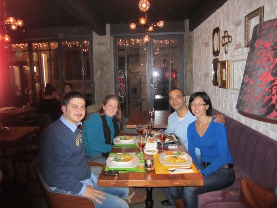 "212 Istanbul Suites: ""Bunk"" café-resto"