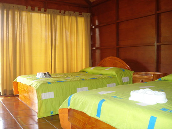 Hotel Villas Vista Arenal: Clean rooms, double beds