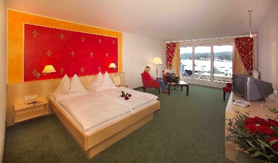 Golf- und Seehotel Engstler: Zimmer mit Seeblick
