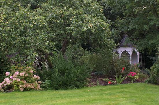 Ashley Park House: walled garden