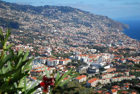 Камара-де-Лобос, Португалия: View of Funchal