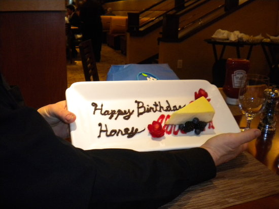 Diamond Tavern - Hilton Baltimore: Birthday Cheesecake Surprise