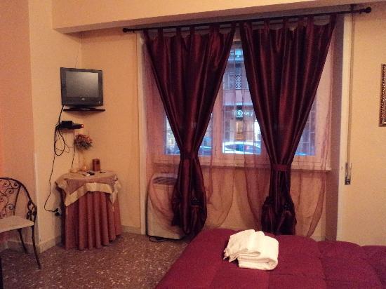 B&B La Donna Garbata: La finestra della stanza