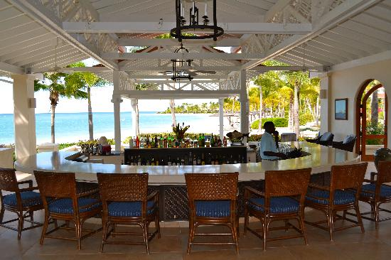 Jumby Bay, A Rosewood Resort: Bar