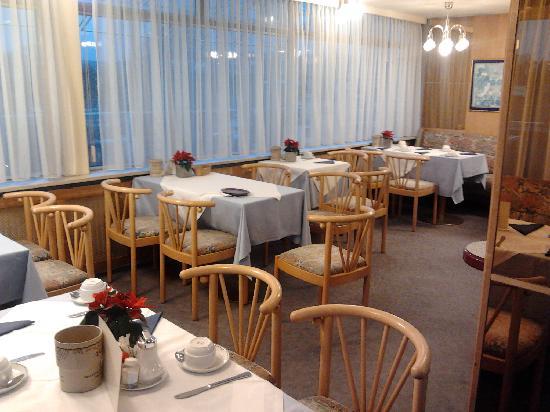 Hotel Ekazent: Breakfast room