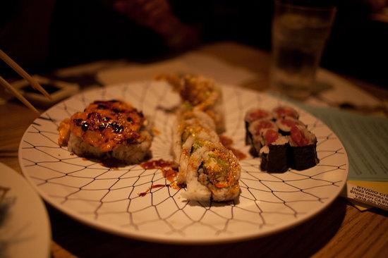 Midori Sushi Restaurant : sushi