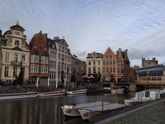 Engelen Aan De WaterKant: canal