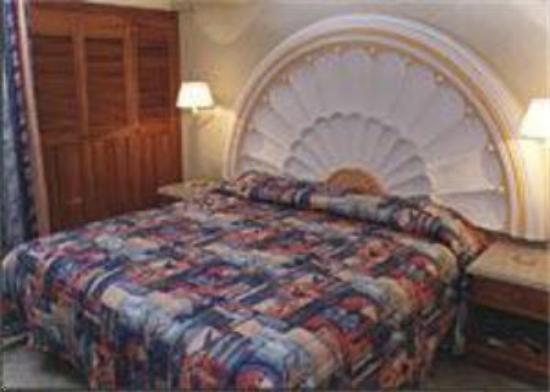 Hotel Plaza Marina Mazatlan: Suite Bedroom