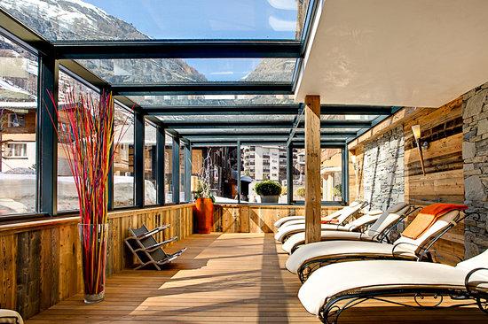 Hotel Firefly: der Wintergarten / Ruheraum