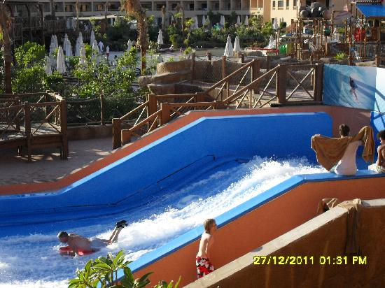 Coral Sea Aqua Club Resort: this is the flow rider, test your surfing skills, this was very popular