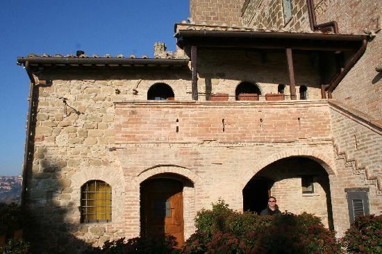 Castello di Monterone: esterni castello