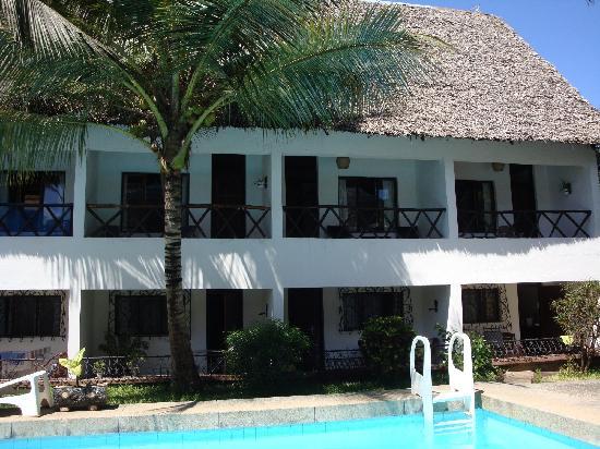 Papillon Garden Bar Villa: Rooms with Terrace