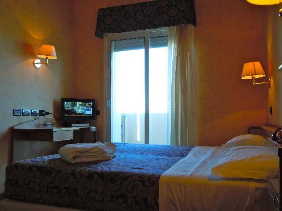 Litoraneo Suite Hotel: Camera