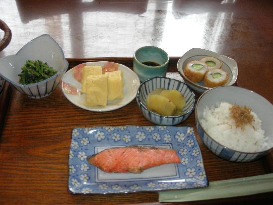 Ryokan Kyoraku: part of the yummy Japanese breakfast