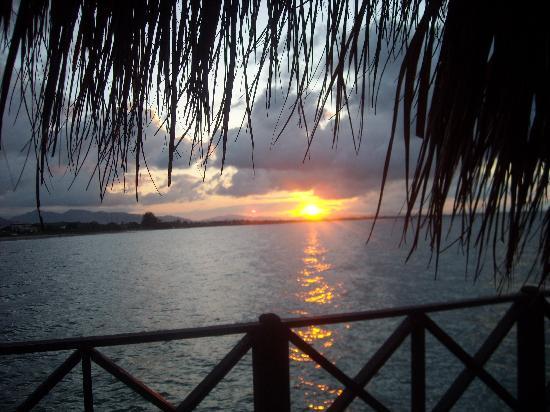 La Ensenada Beach Resort & Convention Center: Couchers de soleil magnifiques