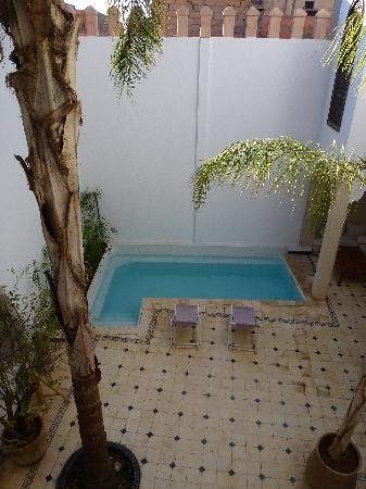 Riad Alma: courtyard 1