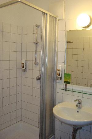 MEININGER Hotel Wien Hauptbahnhof: Badezimmer
