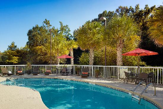 Holiday Inn Express Charleston Outdoor Pool