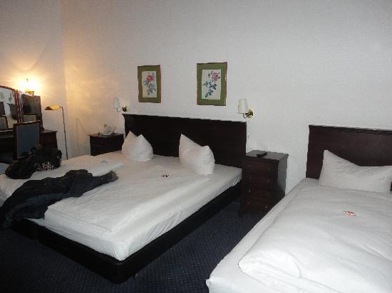 Der Fürstenhof: bedroom