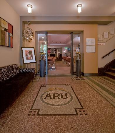 Alto Hotel on Bourke: Foyer / Lobby
