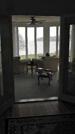 Saltair Inn Waterfront B&B: the other direction