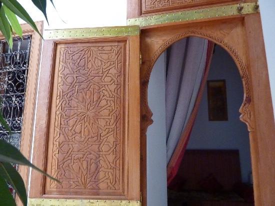 Riad Spa du Chameau: lobby doors
