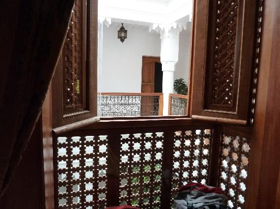 Riad Spa du Chameau: view out of the room window