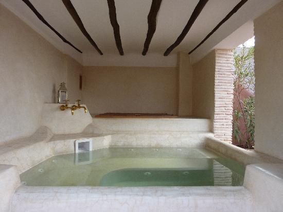 Riad Spa du Chameau: terrace spa