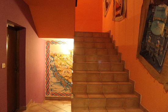 Guesthouse and Hostel Lika : escalera
