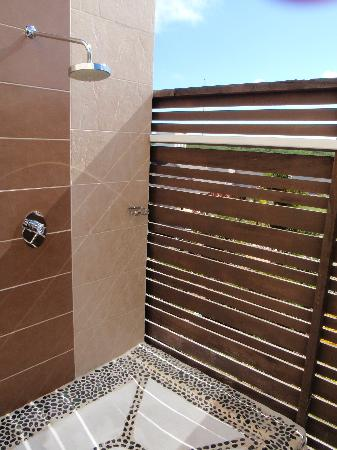 Melia Buenavista: Outdoor showers Great on sunny days.