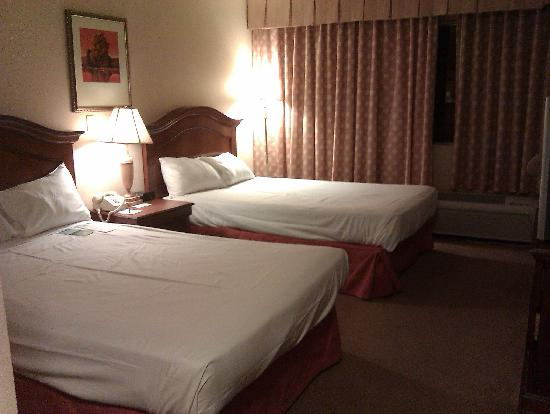 Palace Station Hotel And Basic Coutyard Room