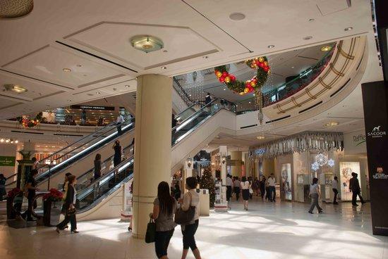 Raffles City: A massive, clean centre