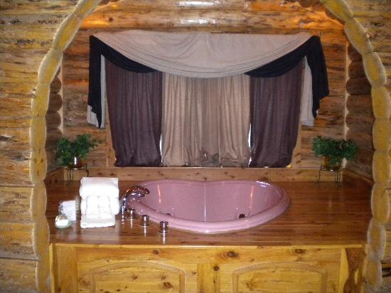 Heart Shaped Jacuzzi Tub Picture Of Donna S Premier Lodging Berlin Tripadvisor