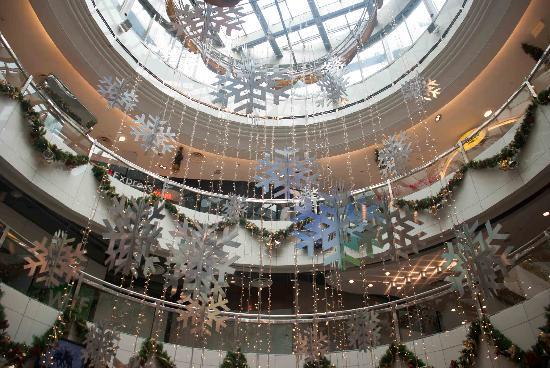 Xmas decorations in The Heeren