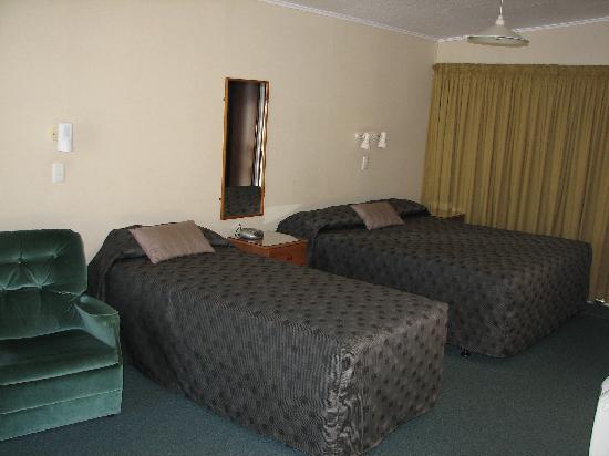 ASURE Sundowner Motel: King Executive Studio