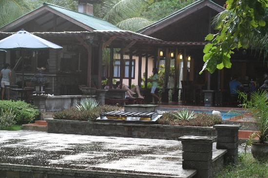 The Village Bunaken: Main common area and pool
