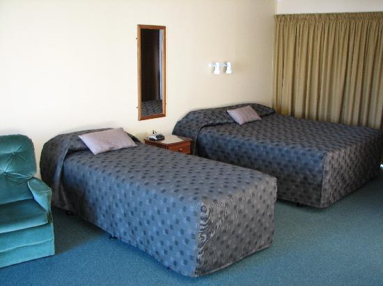 ASURE Sundowner Motel: Queen Executive Unit