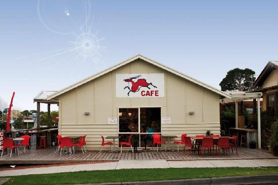 Red Elk Bar & Cafe
