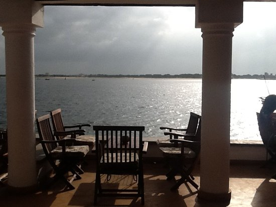 Peponi Hotel Restaurant: looking out from the bar