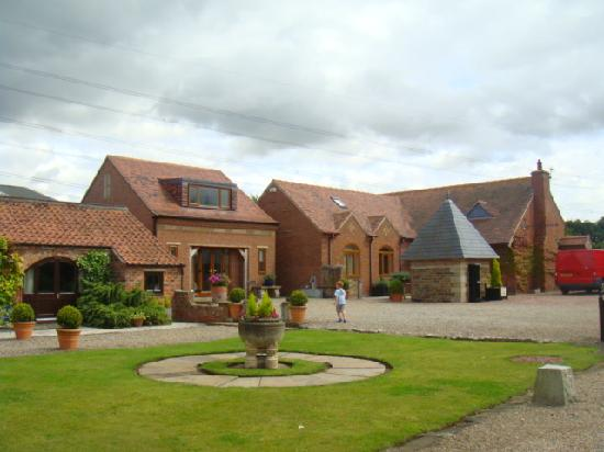 Yarm Cottages: Beautiful grounds
