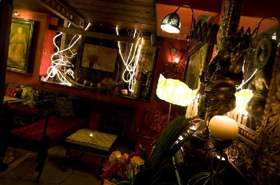 Maharaja indian lounge bar milano milan navigli for Milan indian restaurant