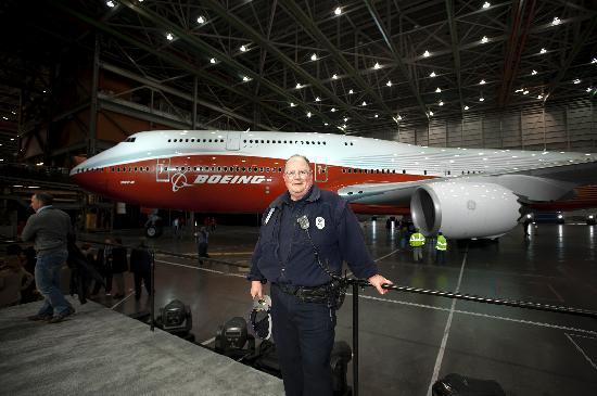 Mukilteo, WA: First 747-8 Intercontenental