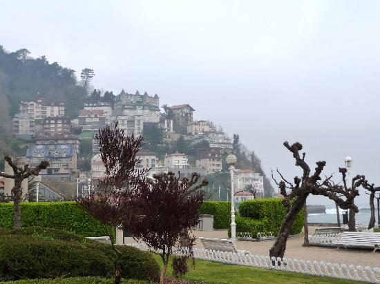 Hotel Ezeiza: Strandpromenade mit Blick auf den Monte Igeldo