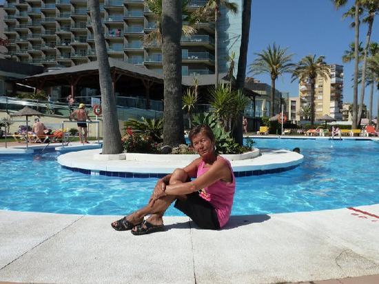 Sol Príncipe by Meliá : piscina sul davanti dell'hotel