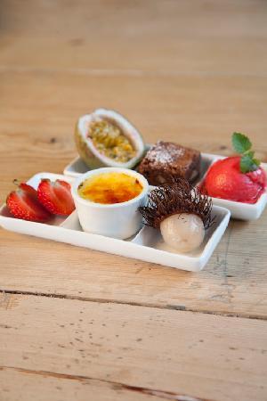 Nordre Ekre Gardshotell: Dessert plate