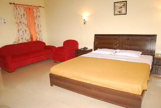 Brightlands Resort: AC Rooms